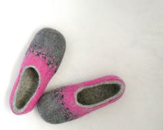 Handmade felted wool slipp Flowers 2 от Briga на Etsy