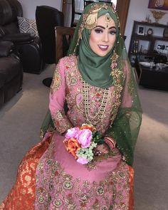 My beautiful hijabi mehndi bride Tasnia ❤️❤️❤️ Snapchat anesa.ahmed  #makeupartist #birmingham #westmidlands #mua #mehndibride #mehndi #pakistaniwedding #pakistanifashion #nars #tartecosmetics #flawless #makeup #hudabeauty #hairstyles #hair #bridalhair Wedding Hijab Styles, Hijab Wedding Dresses, Bridal Hijab, Hijab Bride, Mehndi Brides, Hijabs, Hijab Fashion, Mask Girl, Flawless Makeup