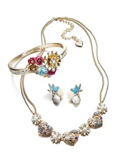 Charm the one you love, Betsey Johnson
