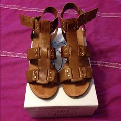 Steve Madden Nevis sandals Awesome sandals worn three times in great condition. Steve Madden Shoes Sandals