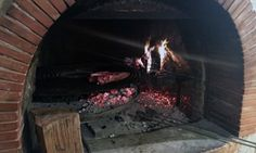 Ristorante familiare ed accogliente, che propone deliziosi tagli di carne cotti su griglia argentina da gustare con vino selezionato