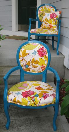 old chairs with Anna Maria fabric - miiight be blue... but I feel it belongs here regardless :)