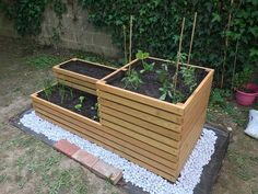 Discover recipes, home ideas, style inspiration and other ideas to try. Diy Garden Improvements, Potager Palettes, Small Space Gardening, Flower Planters, Raised Garden Beds, Permaculture, Garden Paths, Garden Projects, Mini Farm