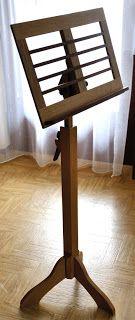 Simple Notenst nder aus Eiche und Mahagoni h henverstellbar Holzprojekt