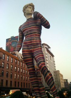 Spanish artist dEmo collaborated with designer Luca Missoni to create the fashion-forward David as a promotional piece in front of the Missoni store in Madrid in Now, he's chilling in New York City. Michelangelo, Missoni, Luca, David, Whitney Museum, Photography Illustration, Spanish Artists, Golden Girls, Installation Art
