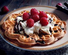 Severek yediğimiz Waffle lezzetini evde hazırlamak isterseniz keyfinize keyif katacak harika bir waf