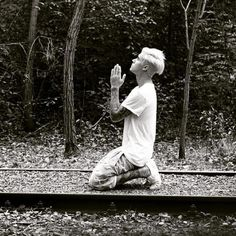 What is Justin Bieber Praying For? - http://oceanup.com/2015/09/14/what-is-justin-bieber-praying-for/