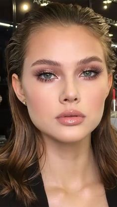 """"""""""" How To Find The Perfect Nude Lipstick For You """""""" This crazy theory could help you find the perfect nude shade. Makeup Looks For Brown Eyes, Makeup Eye Looks, Bridal Makeup Looks, Natural Makeup Looks, Natural Bridal Makeup, Soft Eye Makeup, Natural Summer Makeup, Natural Everyday Makeup, Dewy Makeup"""
