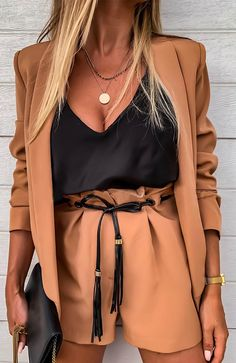 Blazers For Women, Suits For Women, Clothes For Women, Women Blazer, Female Blazer, Ladies Blazers, Mode Outfits, Fashion Outfits, Womens Fashion