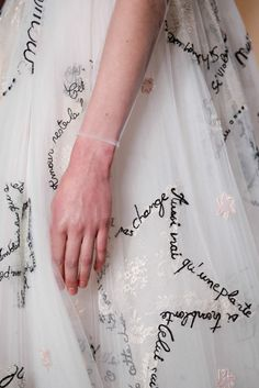 Valentino Spring 2015 Couture - Details - Embroidered verbiage in the shape of stars