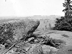 A view of the Gettysburg battlefield from Little Round Top.