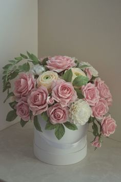 Rolled Paper Flowers, Paper Flower Art, Paper Flower Tutorial, Paper Roses, Flower Crafts, Giant Flowers, Fake Flowers, Diy Flowers, Fabric Flowers