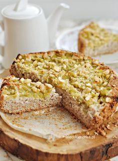 Migdałowe ciasto z rabarbarem bez glutenu, bez cukru - Mała Cukierenka