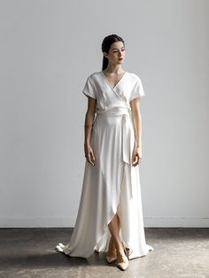 Wedding Dresses stylish to refined, post stamp 3423167965 - Sweet answers to build a really elegant style. Wrap Wedding Dress, Luxury Wedding Dress, Bohemian Wedding Dresses, Wedding Dress Styles, Designer Wedding Dresses, Wedding Gowns, Wedding Venues, W Dresses, Pretty Dresses