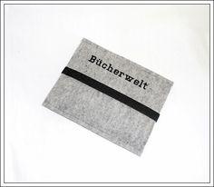 Die Filzhülle ist passend für einen E-Book-Reader Kindle.  Die Hülle besteht aus 3 mm grau-melierten reinen Wollfilz (100 % carbonisierter Wolle)...
