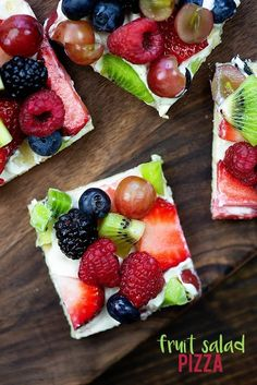 This cream cheese fruit pizza is made simple with crescent dough and a sweet cream cheese mixture. This cream cheese fruit pizza is made simple with crescent dough and a sweet cream cheese mixture. Fruit Pizza Cups, Fruit Pizza Frosting, Mini Fruit Pizzas, Easy Fruit Pizza, Cheese Fruit, Sugar Cookie Pizza, Easy Sugar Cookies, Sugar Cookie Dough, Sugar Cookies Recipe