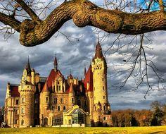 Moszna Castle, Polonia
