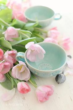 ♥ Pastel #flowers and #teacup <3