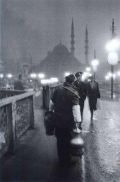 "Ara Güler ""Bozacı/Galata Köprüsü- 1957"