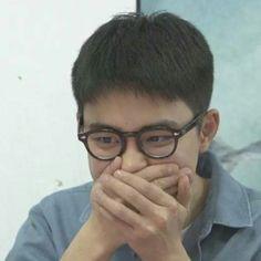 Kyungsoo, Kaisoo, Exo Chanyeol, Funny Kpop Memes, Exo Memes, Meme Faces, Funny Faces, K Pop, Exo Stickers