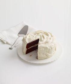 미친듯이 땡기는 디저트 메뉴네요.   화이트 초코렛 퍼지 케이크? 맛점하세요!