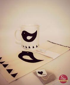 Sie - Art & Craft: Tweety cup ♥ Tweety, Arts And Crafts, Mugs, Tableware, Painted Mugs, Favors, Needlepoint, Dinnerware, Gift Crafts