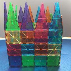 Super na moda  . #brinquedodeluxo MAGFORMA- 100 peças em acrílico com ímã. para as crianças criarem e construírem casinhas castelos cubos pirâmides dentre outros. Vantagem: por serem magnéticos as crianças constroem com maior facilidade. Alugue já para a sua festa as crianças vão amar     . ________________________________________ ALUGAMOS CANTINHO DE BRINQUEDOS BABY E KIDS PARA FESTAS E EVENTOS. contato@combodebrinquedos.com.br (11)4175-4176 / 98101-4176 São Paulo. Curta a nossa página no…