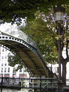 Paris - Canal St. Martin - Amelie bridge!