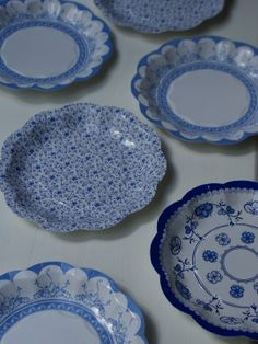 disposable Vintage Blue Plates & Vintage Floral Plates | Retail Party Supply; Party Backdrops ...