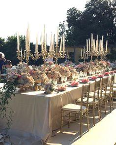 A marvellous top table Armenian wedding in #Italy @vincenzodascanio @davidbastianoni @villadimaiano @almaproject @laranavarrini @luigidegregorio @elisa_puccioni_galateo #weddinginspiration #royalwedding #tablescape #toptable #weddinginitaly #weddingsabroad #destinationwedding #luxurywedding