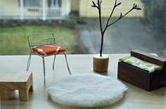 simple diy dollhouse furniture from found objects