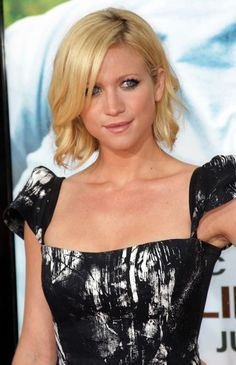 Brittany Snow Bob - Bob Lookbook - StyleBistro