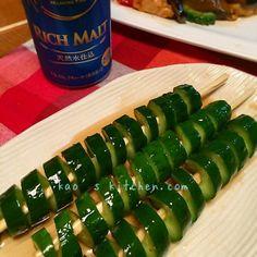 ビール片手に夏祭り気分♡簡単メチャうま「きゅうり1本漬け」レシピ8選 - LOCARI(ロカリ)
