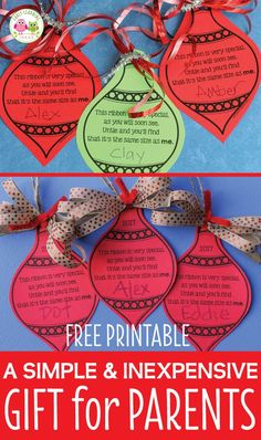 Make a simple parent gift with you classroom. Use this free printable Christmas ornament to make a meaningful Christmas gift for kids to give to parents. Easy, cheap, and inexpensive. Kids can give to parents, grandparents, aunts and uncles. This is a simple keepsake ornament that they will love. Easy to make with your class at a Christmas party or in a center. Perfect for preschool, pre-k, kindergarten, first grade, 1st grade, tot school. A great classroom Christmas ornament craft