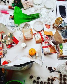 Nopra Chocolate is creating memorable and creative chocolate events for english speakig audience in Switzerland. How To Memorize Things, Table Decorations, Chocolate, Create, Workshop, Food, Home Decor, Atelier, Decoration Home