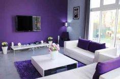 salon ultra moderne en violet et blanc