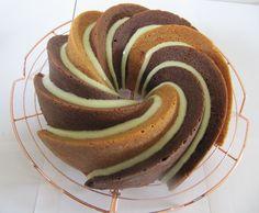 Drie smaken cake. Vanille, koffie en mokka.