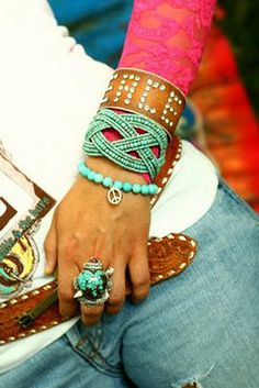 Love this turquoise bead and peace sign bracelet!