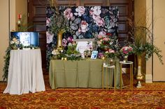 Bank of Flowers: Milwaukee's Magnificent Bride Show