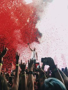 Twenty One Pilots I want to go to a concert so badly…if only I had money