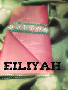 Eiliyah clutches