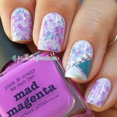 piCture pOlish 'Mad Magenta' features in this Saran Warp mani by La Paillette Frondeuse! Great Nails, Fabulous Nails, Cool Nail Art, Love Nails, My Nails, Nail Art Designs, Nail Polish Designs, Nailart, Purple Nails