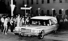 People wait near the emergency entrance of Baptist Memorial Hospital as the hearse carrying the body of Elvis Presley leaves the hospital Aug. Elvis And Priscilla, Lisa Marie Presley, Karate, Baptist Memorial Hospital, Elvis Presley Funeral, Elvis Memorabilia, Family Photo Album, Graceland, Actor