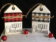 Wooden Christmas Decorations, Christmas Wood Crafts, Rustic Christmas, Christmas Projects, Holiday Crafts, Holiday Decor, Winter Wood Crafts, Scrap Wood Crafts, Cabin Christmas