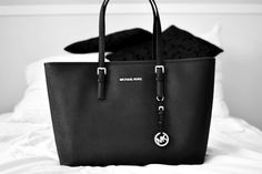 With High Quality And Unique Design, Michael Kors Jet Set Saffiano Travel Medium Black Totes Are Your Favorite. Just Come To Our Michael Kors Jet Set Saffiano Travel Medium Black Totes Online Store To Buy. Michael Kors Jet Set, Outlet Michael Kors, Cheap Michael Kors, Michael Kors Selma, Michael Khors, Love Couture, Juicy Couture, Coach Purses, Purses And Bags