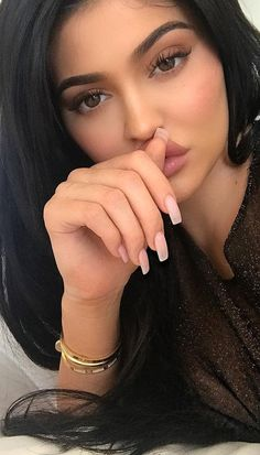 The Effective Makeup Tricks for Those Moments When You're Sick for teens kylie jenner The Effective Makeup Tricks for Those Moments When You're Sick - My Makeup Ideas Kylie Jenner Outfits, Kylie Jenner Ringe, Kylie Jenner Schmuck, Kylie Jenner Cartier, Kylie Jenner Mode, Nails Kylie Jenner, Looks Kylie Jenner, Kylie Jenner Haircut, Beauty Makeup