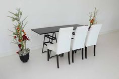 """Tisch """"Industry"""", schwarz in Kombination mit den Stühlen """"Nivo"""" in weiß"""