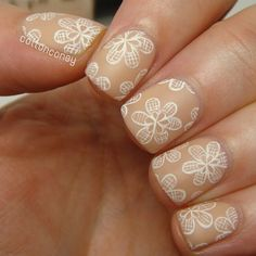 It's intricate day of #31DC2 so what better opportunity to finally try handpainted lace flowers. I've wanted to do that forever. But it looks like I need to practice a little more.. I love how delicate it looks though! My base is @opi_products 'Glints Of Glinda', the closest to my skin color I could find so far. #OPI