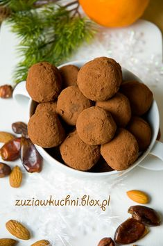 Trufle daktylowe z nutą pomarańczy Polish Recipes, Healthy Sweets, Cookie Recipes, Sweet Treats, Deserts, Clean Eating, Food Porn, Food And Drink, Gluten