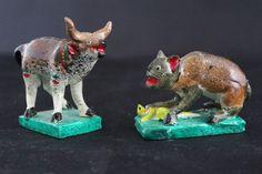 Small size Bull & Cat by Juan Jose Medrano, Tonala Mexican Folk Art, Barro Betus